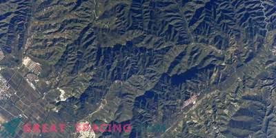 Die Chinesische Mauer ist vom Weltraum aus sichtbar! Oder nicht?