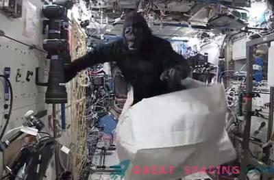 Astronaut on naljakas ahvipaljega kosmosejaamas